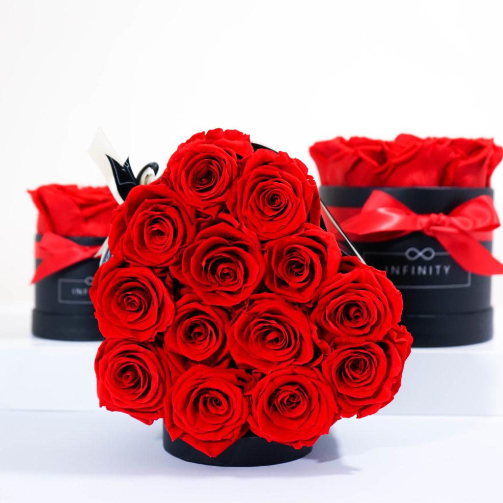 Infinity Rosen in Vibrant Red sind das perfekte Geschenk für deine Liebeserklärung